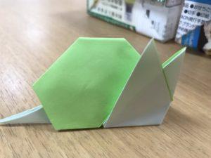 折り紙のカタツムリ